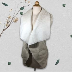 Blank NYC cream Faux soft shearling vest small NWT